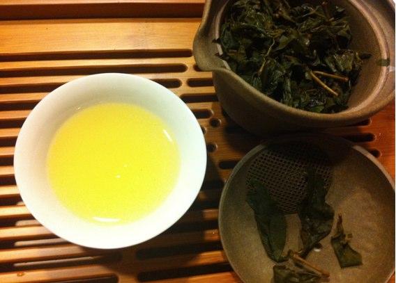 金萱茶の水色