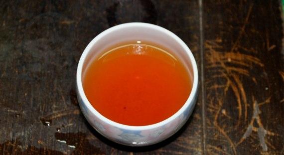 紅茶の水色