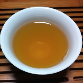 香りを楽しむ茎茶